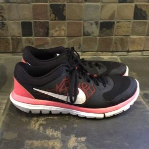 Nike Flex 2015 Run Size 8